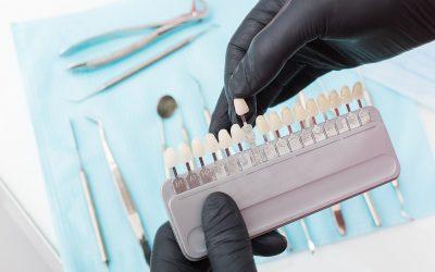 Quelle est la différence entre un blanchiment des dents et un détartrage ?